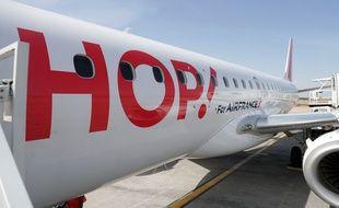 Un avion Hop! près de Lyon, en août 2020.