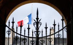Le palais de l'Elysée, du côté de la rue du Faubourg Saint-Honoré.