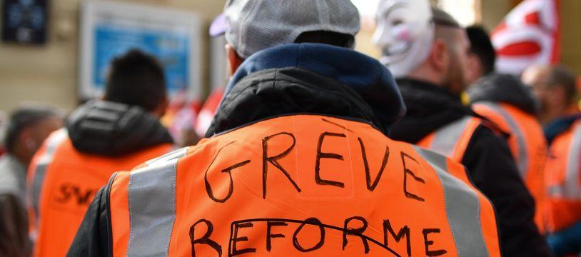 L'Unsa, le deuxième syndicat de la SNCF, ne veut pas poursuivre le mouvement pendant l'été.