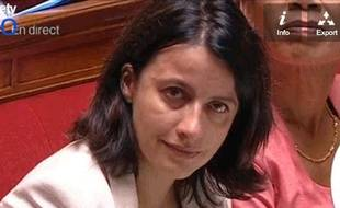 Capture d'écran de France Télévisions montrant Cécile Duflot à l'Assemblée, les larmes aux yeux, le 16 juillet 2013.