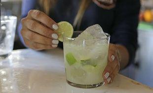 Photo d'illustration d'un cocktail dans un bar.