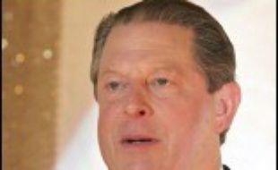 """L'ancien vice-président américain Al Gore poursuit inlassablement sa croisade de sensibilisation aux dangers du réchauffement climatique avec le film documentaire """"Une vérité qui dérange"""", qui sort sur les écrans mercredi."""
