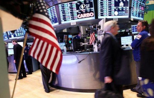 Wall Street a débuté septembre en trombe et atteint des niveaux plus vus depuis fin 2007, voire 2000 pour le Nasdaq, les courtiers se délectant des mesures annoncées par la Banque centrale européenne (BCE) et espérant que son homologue américaine emprunte le même chemin.