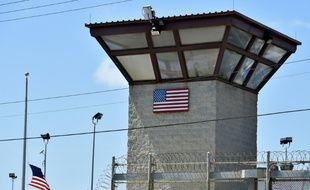 """Vue du """"Camp 6"""" de Guantanamo Bay, à Cuba"""