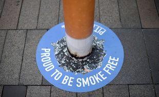 Un potelet marque une zone sans tabac à Sydney, en AUstralie, le 26 septembre 2016.