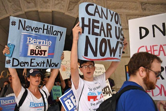 Des militants pro-Sanders ont manifesté le 24 juillet 2016 à Philadelphie (Etats-Unis).