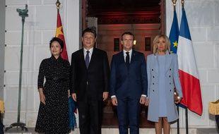 Emmanuel et Brigitte Macron avec le président chinois Xi Jinping et son épouse Peng Liyuan à Beaulieu-sur-Mer, le 24 mars 2019.
