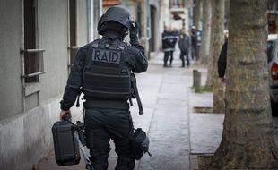 Intervention du RAID ici en région parisienne.