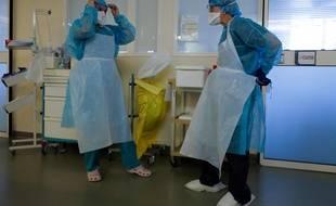 Des soignants à l'hôpital de Nice (Illustration)