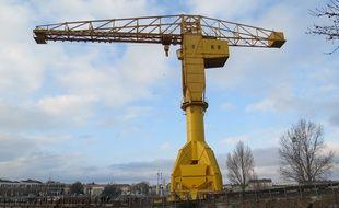 La grue Titan jaune de Nantes, lundi 8 janvier 2017.