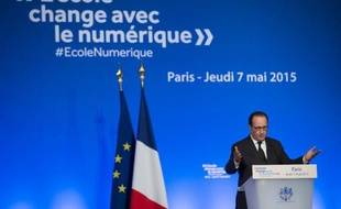 François Hollande s'adresse aux participants à un séminaire sur l'éducation, le 7 mai 2015 à la maison de la chimie à Paris