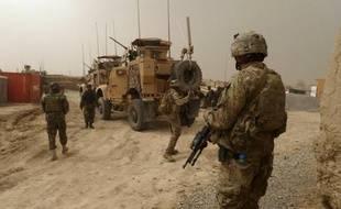 L'armée américaine enquête sur de nouveaux écarts de conduite dont se seraient rendus coupables les Marines qui ont fait scandale en urinant sur des cadavres en Afghanistan.