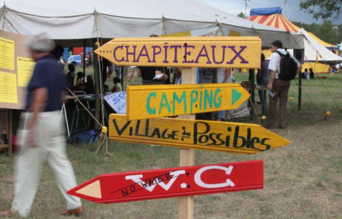 Le rassemblement des anti gaz de schiste à Lézan, dans le Gard, le 26 août 2011. – A.Chauvet/20 Minutes
