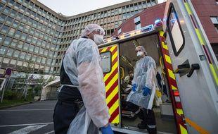 Les pompiers du Sdis 27 (Evreux), en pleine lutte contre le nouveau coronavirus.