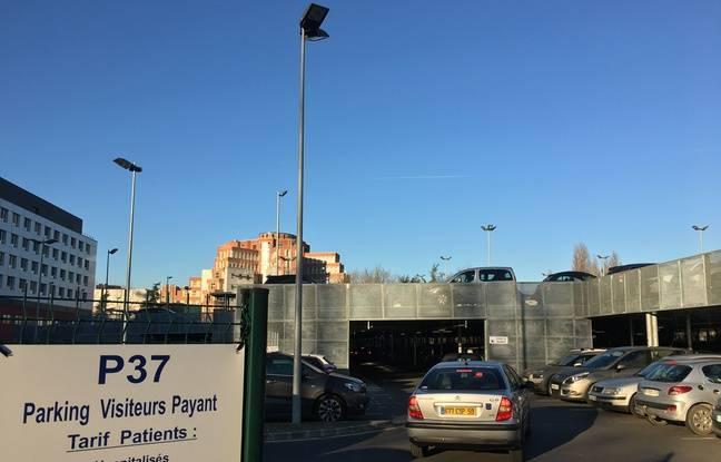 Les parkings autour de l'ICP sont souvent saturés.