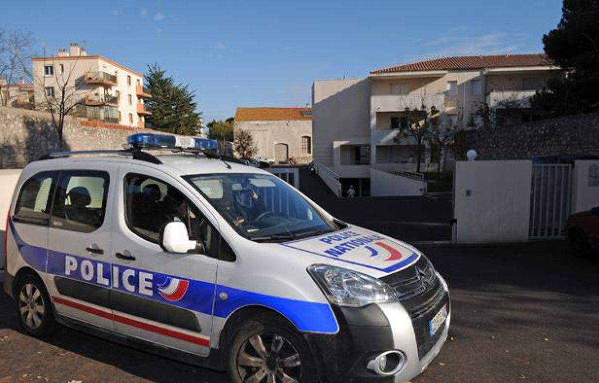 Sète. La résidence dans laquelle un homme de 49 ans a tiré sur quatre de ses voisins qui, d'après lui, faisaient trop de bruit, dans la nuit du 30 novembre au 1er décembre 2012. – PASCAL GUYOT / AFP
