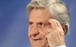 """Le président de la Banque centrale européenne (BCE), Jean-Claude Trichet, a """"maintenu"""" lundi ses propos de jeudi sur une éventuelle hausse de taux en juillet, qui ont entraîné un bond de dix dollars du baril de brut, affirmant qu'elle n'était """"pas certaine mais possible""""."""