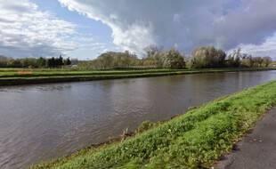 Le fleuve Escaut, du côté d'Antoing, en Belgique.