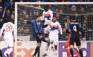 Mouctar Diakhaby et Marcelo ont commis une grosse bourde ce jeudi en se gênant devant leur ligne sur le but italien.