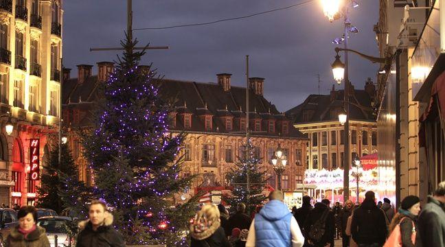 Lille, le 1er decembre 2013. Le centre ville commence a s'illuminer aux couleurs de Noel. – M.Libert/20 Minutes