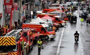 Des équipes de secours dans le quartier de Noailles, le 5 novembre 2018 à Marseille.