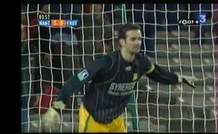 Nicolas Savinaud sur sa ligne au moment du penalty.