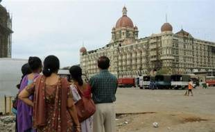 Les forces de sécurité indiennes ont mis fin samedi à Bombay à deux jours et demi d'attaques déclenchées par une dizaine d'assaillants qui ont fait au moins 172 morts et près de 300 blessés, selon un dernier bilan.