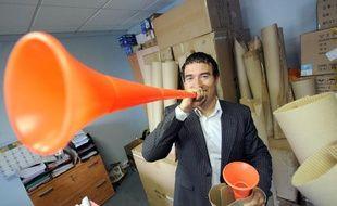 Le premier importateur des vuvuzelas en France, José Pecci, le 16 juin 2010