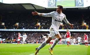 Gareth Bale fête un but inscrit contre Arsenal en mars 2013.