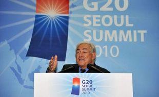 """Le directeur général du Fonds monétaire international (FMI) Dominique Strauss-Kahn, a jugé samedi que les Etats-Unis étaient allés """"trop vite"""" en venant avec des propositions toutes faites au G20, dont les pays attendent un travail plus collectif."""