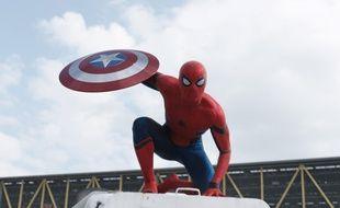 Tom Holland dans Captain America: Civil War des frères Russo
