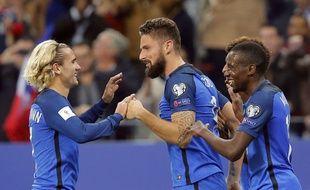 Giroud et Griezmann ont porté les les Bleus contre la Biélorussie.