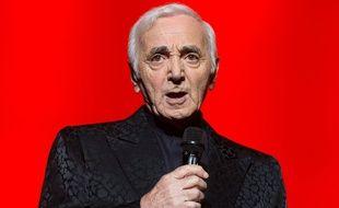 Charles Aznavour en concert à Varsovie (Pologne), en juin 2014.