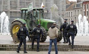 Des agriculteurs manifestent à Lille (illustration).