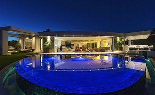 La nouvelle villa à Beverly Hills du créateur de Minecraft.