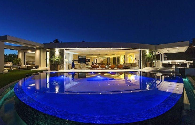 Video Le Createur De Minecraft Se Paie La Villa La Plus Chere De Beverly Hills