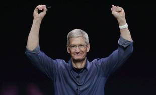 Le patron d'Apple, Tim Cook, présente l'Apple Watch en Californie en septembre 2014.
