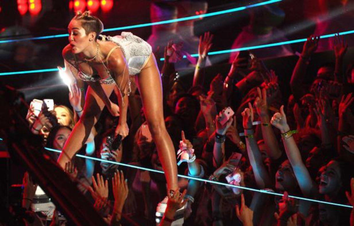 Miley Cyrus aux MTVVideo Music Awards, le 25 août 2013 à New York. – Charles Sykes/AP/SIPA