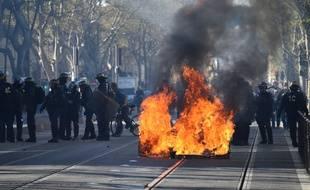 """Les heurts ont éclaté dès 16h, place de la Comédie, lors de l'acte 19 de la manifestation des """"gilets jaunes"""" à Montpellier."""