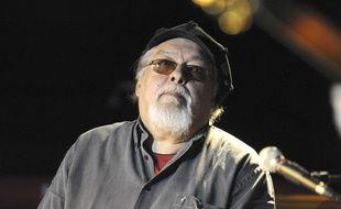 Le jazzman Eddy Louiss sur scène à Paris en mars 2010.