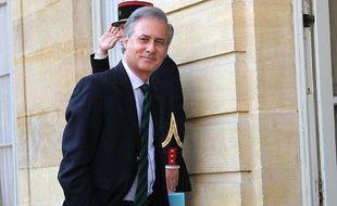 Le secrétaire d'Etat à la Fonction publique, Georges Tron, arrive à l'hôtel Matignon, le 5 mai 2011.