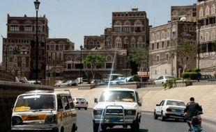 Les Néérlandais, qui vivent au Yémen et ne sont pas des touristes, selon les dernières indications obtenues de sources officielles, ont été enlevés par des hommes armés mardi matin près de Sanaa et emmenés dans un endroit d'accès difficile à 90 km au sud-est de la capitale, au coeur de la zone tribale des Bani Dhibiane.