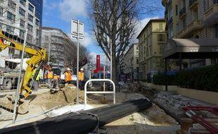 Le chantier du tram aurait provoqué l'affaissement d'une rue de Nice.