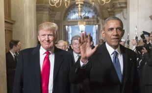 Les présidents américains Donald Trump et Barack Obama lors de l'investiture du premier, le 20 janvier 2017.