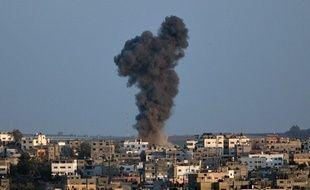 Un immeuble détruit dans la bande de Gaza après une frappe de l'armée israélienne le 19 août 2014.