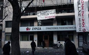 Le siège du parti de gauche radicale au pouvoir, Syriza, occupé par des anarchistes, à Athènes, le 8 mars 2015.