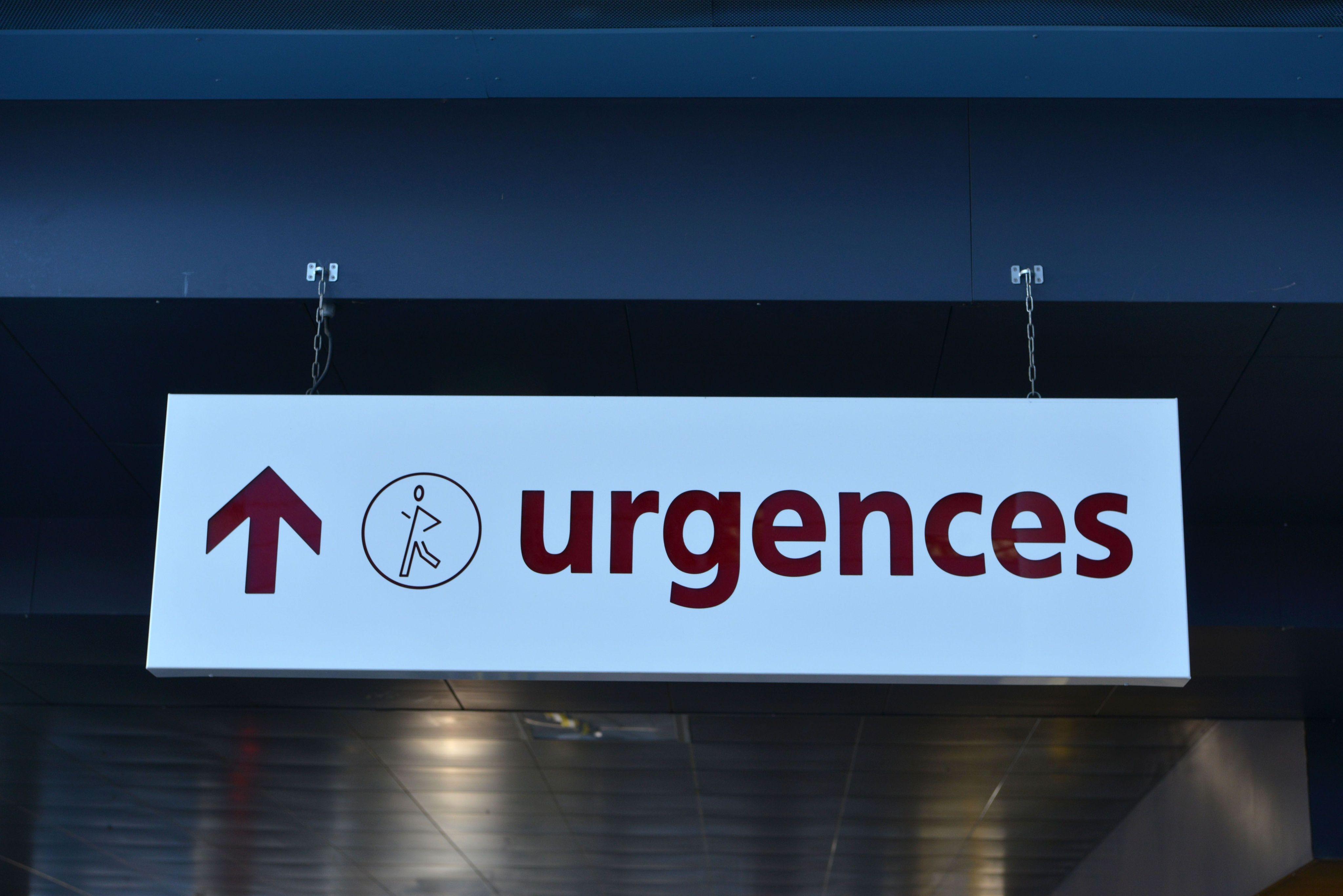Un panneau indiquant les urgences d'un hôpital (illustration)