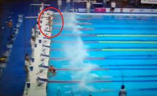 Le nageur espagnol a observé seul une minute de silence