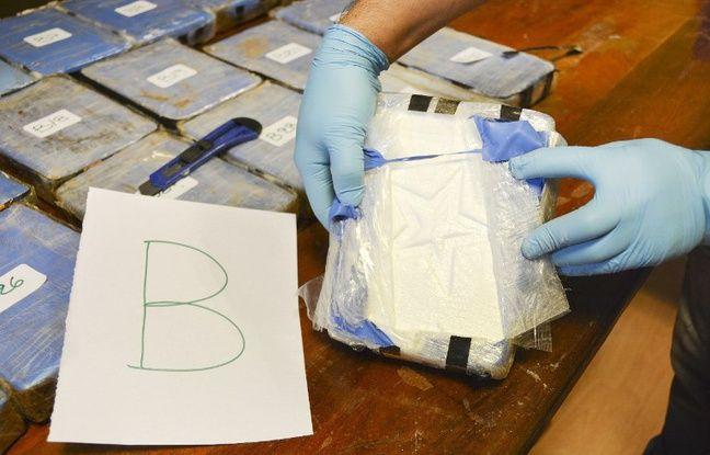 Guadeloupe: Près de 500 kg de cocaïne saisis sur un navire