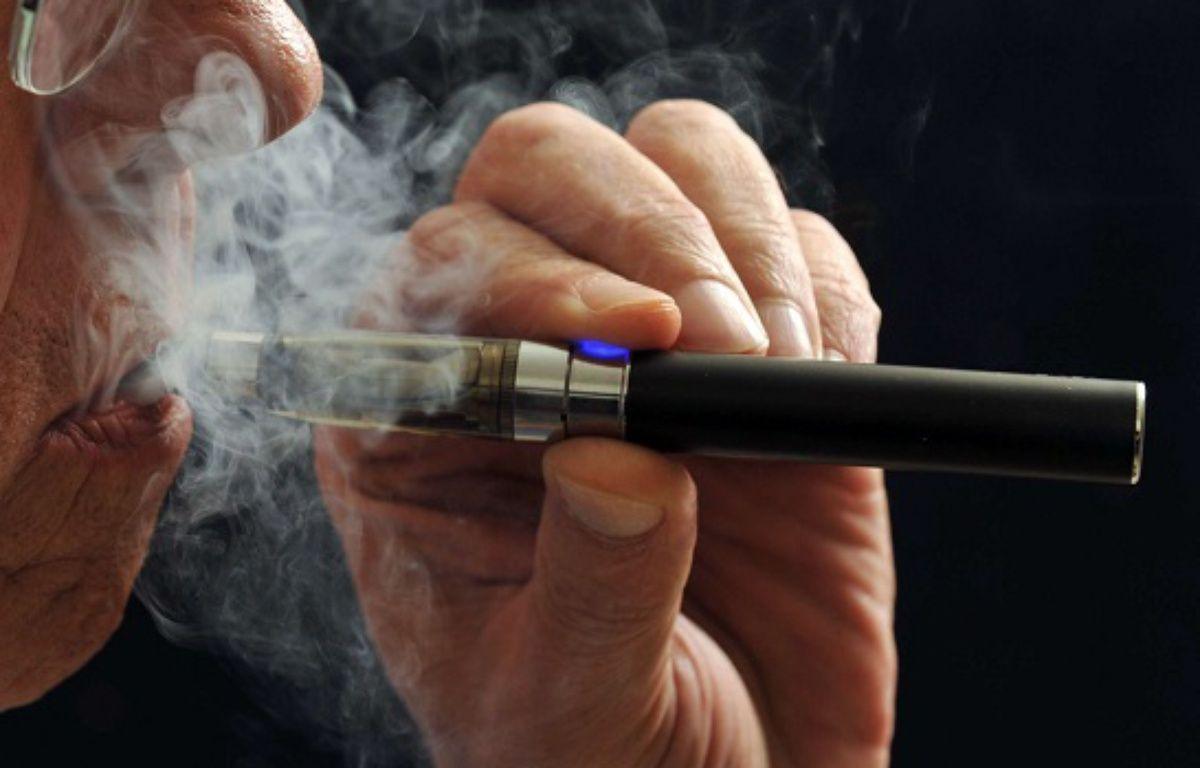 Certains utilisateurs ne supportent pas la cigarette électronique. – Torin Halsey/AP/SIPA